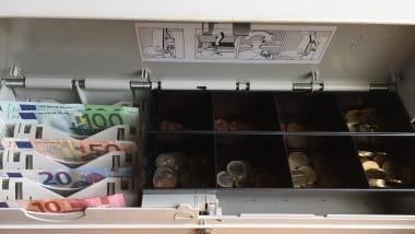 Giro-News: Bargeld an der Supermarktkasse